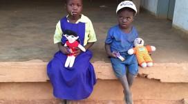 děti s panenkama